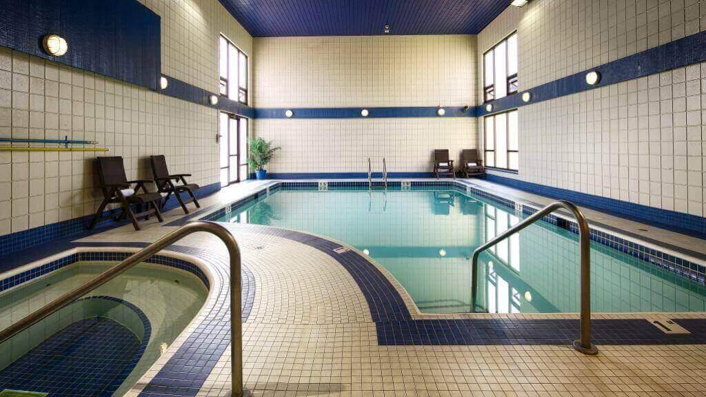 Best Western Plus Regency Abbotsford Pool